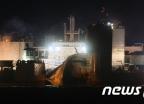 [사진]밤 늦도록 이어지는 세월호 선적작업