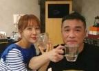 한영, 김건모와 다정한 '러브샷' 사진 공개
