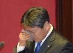 연신 눈물 강기정 전 의원, '임을 위한 행진곡'과의 인연은?
