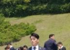 대통령 새 경호원?… 5·18 기념식 등장한 현빈 닮은 남성