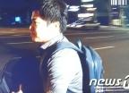 [사진]이유미 남동생, 검찰 조사 후 도망치듯 귀가