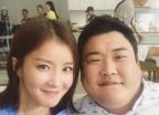 """이시영, 임신 16주차 근황 공개…""""오랜만에 짝꿍이랑"""""""