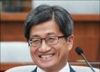 여유로운 김명수 대법원장 후보자