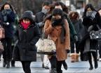 [오늘 날씨]칼바람 쌩쌩 기온 뚝…오후 중부·호남 '눈'