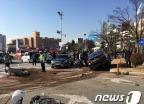 우회전 하던 택시, 자전거·승용차 치어…5명 부상
