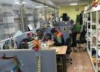 """""""돈은 안받아요""""…한국에 있는 장난감병원 의사들"""
