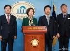 국민투표법 심사 행안소위 파행...'한국당 적극 협조하라'