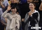 류현진, 호투로 팀 3승 이끌어… 배지현 아나운서도 응원