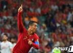 '호날두 헤트트릭' 포르투갈, 스페인과 3-3 무승부