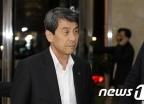 [사진]이동걸 산은회장 '방북단 모임 위해'