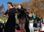 흥겨운 외국인학생 축제