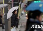 [오늘 날씨]오전에는 비, 오후에는 황사…서울 낮 10도