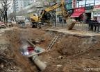 복구 작업에 한창인 '일산 온수관 파열 사고'