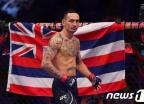 할로웨이, 오르테가 꺾고 UFC 페더급 2차 방어 성공