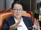 """박지원 """"손혜원 목포발전에 기여한 바 크다…투기 아니라 생각"""""""