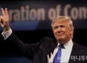 """월가 """"트럼프 정부? 상상불가… 거센 역풍"""""""