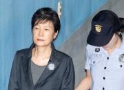 박근혜 재판⑩ '정치보복' 피해자 코스프레의 시작