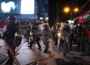 """끝 안보이는 시위…""""홍콩인 절반, 이민 생각한다"""""""