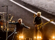 U2 공연 모습 '초대형 스크린'엔 한번도 안뜬 까닭