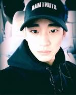 김수현, 화이트데이 기념 셀카 공개…'훈훈'