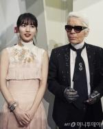 수지, 밀라노 패션쇼 참석…물오른 미모 '시선 강탈'