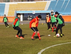 부산, 집단 식중독 사고 날려버린 '연습경기 2승'