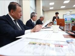 환노위 출석한 어수봉 최저임금위원장