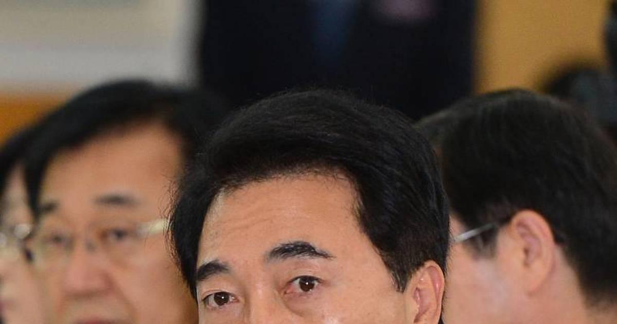 """오영환 """"朴 해명, 거짓말"""" vs 박수현 """"치졸한 정치공작"""""""