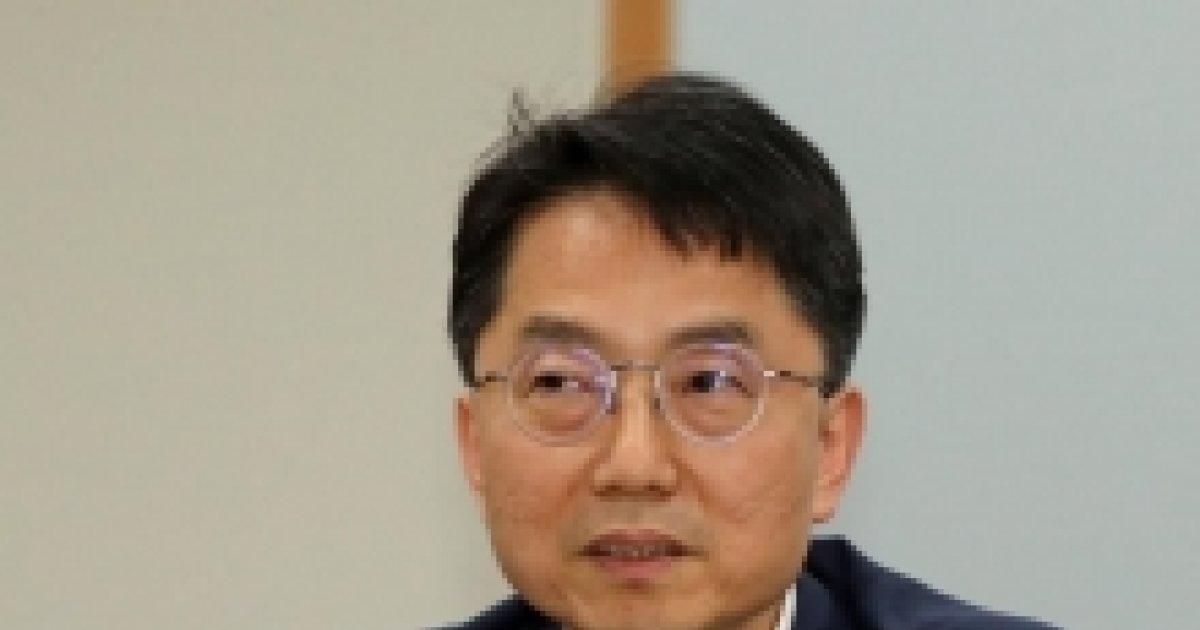 """박준식 위원장 """"최저임금 차등적용 여부 25일 논의"""" - 머니투데이 뉴스"""