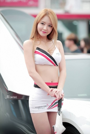 '레이싱모델 유진' 완벽한 각선미