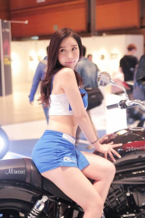 '레이싱모델 임민영' 육감적인 몸매