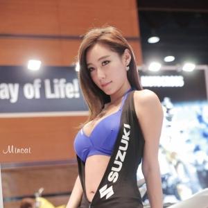 '레이싱모델 태희' 베이글 몸매