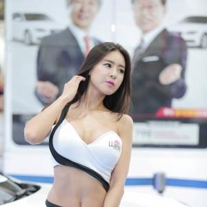 육감적인 몸매 '레이싱모델 문세림'