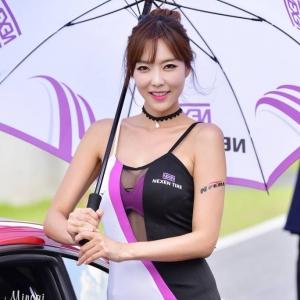 '레이싱모델 강이나' 명불허전 몸매