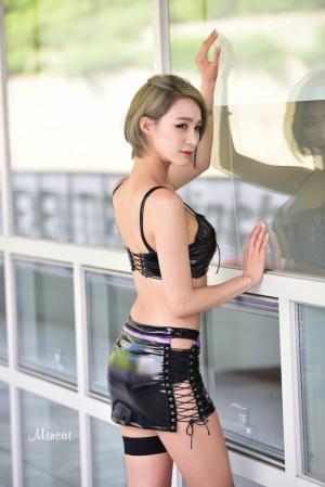 '레이싱모델 박하' 완벽 에스라인