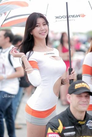'레이싱모델 반지희' 볼률감 넘치는 매력