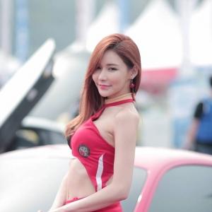 '레이싱모델 이다연' 섹시한 미소