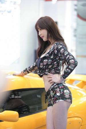 '레이싱모델 홍지연' 이기적인 각선미
