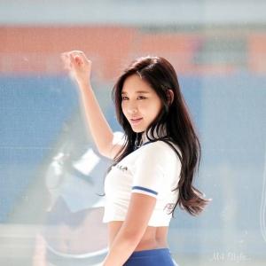'레이싱모델 천세라' 완벽한 S라인