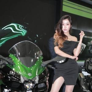 '레이싱모델 하루' 섹시한매력