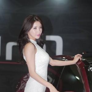'레이싱모델 임솔아' 섹시한 힘라인