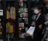 '코로나19 여파' 명동 상권 줄줄이 임시휴업