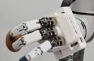 '인간형 로봇손' 개발, 달걀도 옮기고 가위질도 한다