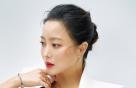 """김희선, 럭셔리한 주얼리 화보…""""시간을 거스르는 미모"""""""