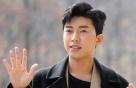 '미스터트롯의 맛' 임영웅, 신곡 받아들고 감격…'이제 나만 믿어요'