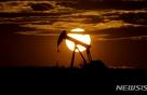사우디 기름값 올렸는데도 국제유가 이틀째 뚝…WTI 1.8%↓