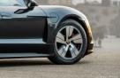 포르쉐 첫 전기 스포츠카 타이칸 한국타이어 제품 쓴다