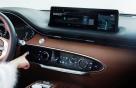 지문만 대면 차에서 결제, 제네시스 GV70에 세계 첫 생체기술