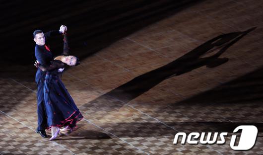 [사진]'춤추는 그림자'