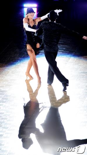 [사진]'달빛 댄스'